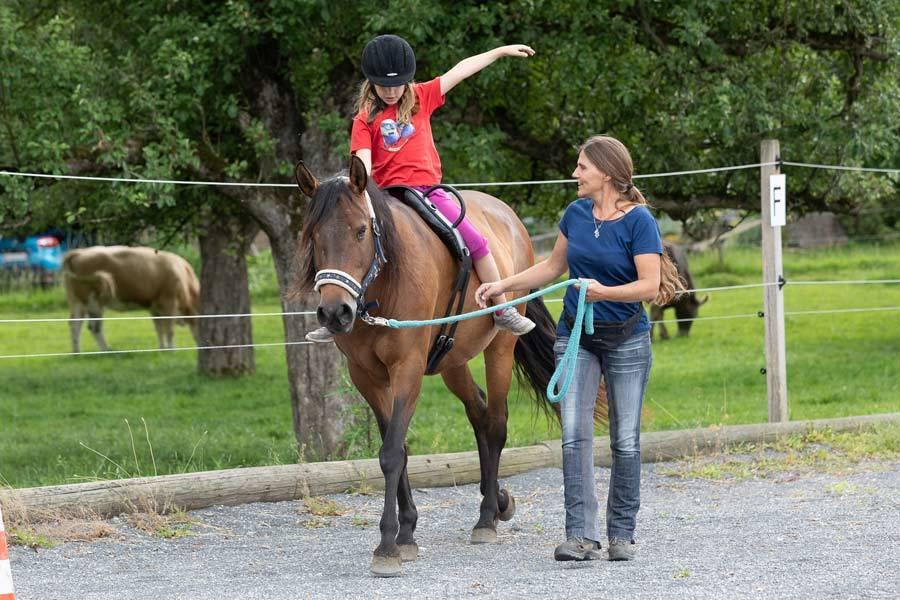 Aktivwach-Hypnose pferdegestützt - Reittherapie